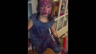 Video Ophelia Posey - decides to paint download MP3, 3GP, MP4, WEBM, AVI, FLV Agustus 2017
