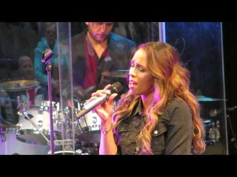 Glennis Grace - Annie's Song (Caprera, Bloemendaal 19-6-2014)