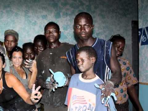 mamma africa ospedale video e foto.m4v