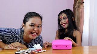Halloween Makeup Challenge - Belajar Makeup ini wajah Seram apa Lucu sih??