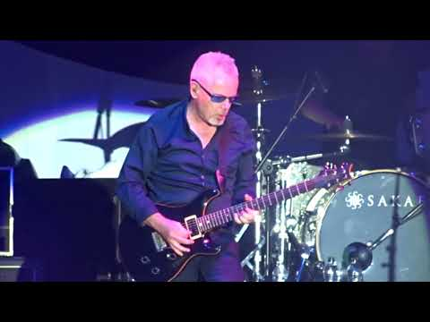 Nik Kershaw....Wideboy (Live at Stepback To the 80s at Coventry Ricoh Arena 14/10/17)