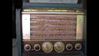 Stromberg - Carlson AWP-8 Shortwave Radio Playing