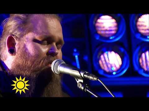Chris Kläffords hyllningssång till Avicii - Nyhetsmorgon (TV4)