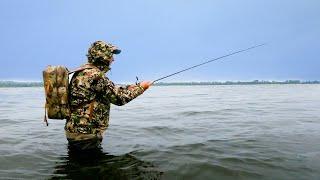 РЫБАЛКА На ЧТО ловится на спиннинг в речке