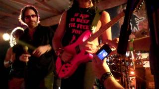 "Kip Winger sings ""Seventeen"" with Tongue N Cheek"
