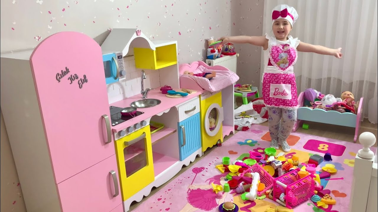 ELİF'İN DEVASA MUTFAĞI ve OYUNCAK MUTFAK MALZEMELERİ- Play with Giant Kitchen and Kitchen Toys