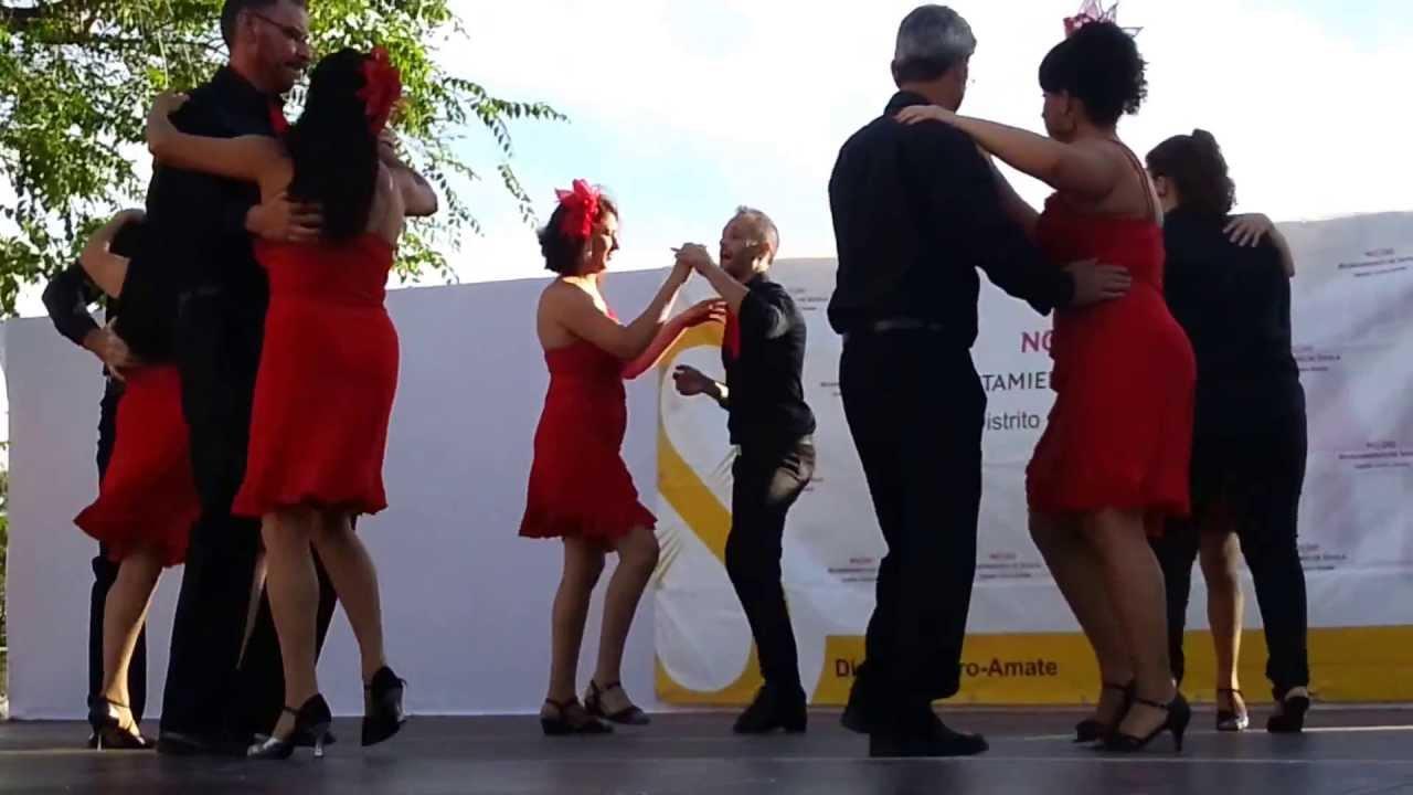 Baile de sal n bachata distrito cerro amate 2013 youtube for Battlefield 1 salon de baile