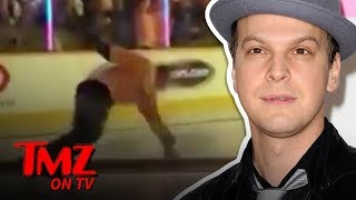 Gavin Degraw Takes A Spill On The Ice After National Anthem | TMZ TV
