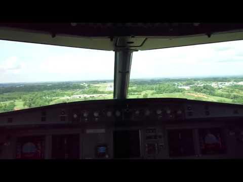 Landing at Yariguíes Airport (SKEJ), Airbus A318-112 N596EL Avianca