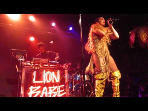 Lion Babe -