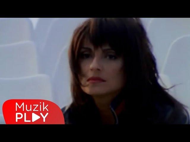 Ay?egül Aldinç - Beni Hat?rla (Official Video)