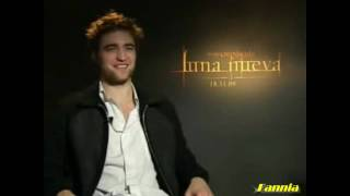 Robert Pattinson Hablando español HD (new moon) LUNA NUEVA pelicula parte 1