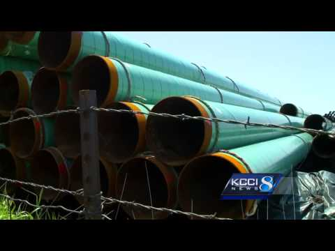 Pipe piling up in Iowa for Bakken pipeline before its approved