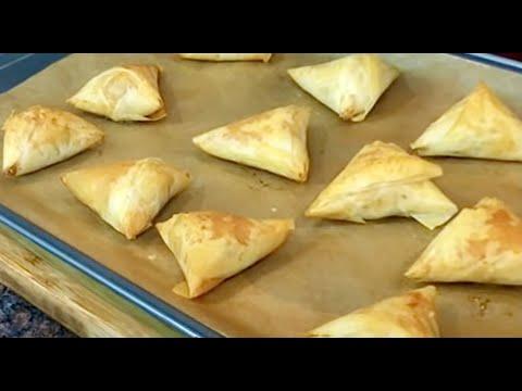 Spanakopita triangles- the best Greek spinach pies recipe