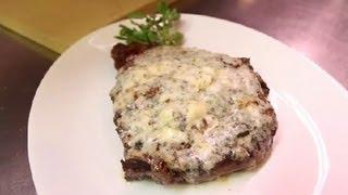 Cooking Boneless Rib Eye Steak With Gorgonzola Cheese