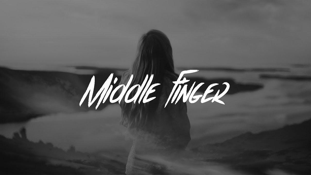 Phoebe Ryan & Quinn XCII - Middle Finger (Lyrics)