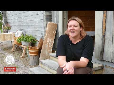 An Australian radio reporter visiting a sauna in Central Finland