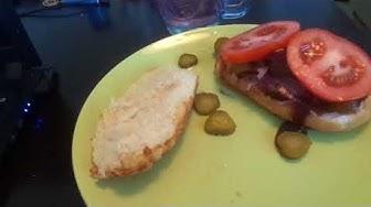ILTAPALAVINKKI burger punasipulilla