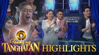 Tawag ng Tanghalan: Daily contender's father receives a standing ovation from the