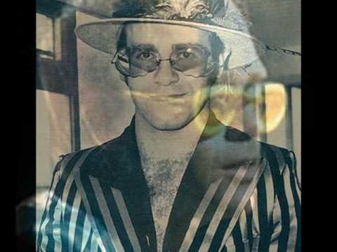 Elton John - Island Girl (Live on Capital Radio 1976)