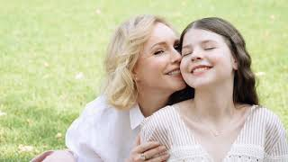 Марина Зудина с дочкой Машей Табаковой за кадром фотосессии