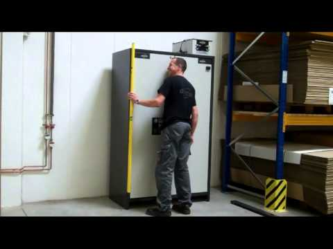 asecos - Q-CLASSIC-90 safety storage cabinet delivery