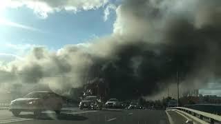 Москва,  горит строительный рынок СИНДИКА 66 км МКАД