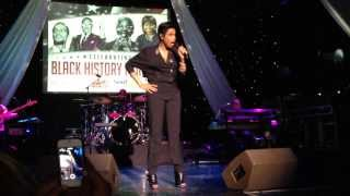 "Jennifer Hudson - ""And I Am Telling You"" LIVE in Chicago (@iAmJHud @KGILLA)"
