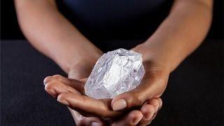 """Cận cảnh viên kim cương 3 tỉ năm tuổi có giá """"vỏn vẹn"""" 1650 tỉ đồng"""