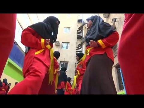 مصريات يتعلمن فنونا قتالية إندونيسية للدفاع عن أنفسهن من المتحرشين…  - نشر قبل 6 ساعة