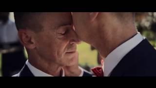 Apple представила рекламные ролики с геями в ролях