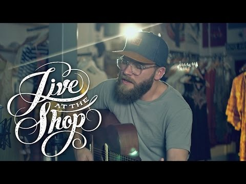 """Nathanael Hyer performs """"Jolene"""" by Ray Lamontagne (TQS - Live At The Shop)"""