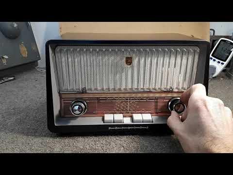 "Philips ""Continental"" B3Z75U AC/DC 1960s Valve Radio Part 4"