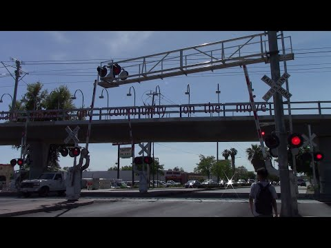 Weird Malfunction At The Florin Rd. Railroad Crossing, Sacramento California