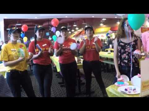 Peter Piper Pizza Staff Sing Birthday Song