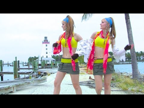 BEAR BEAR BEAR! and other Nature Mishaps – Harp Twins (Camille and Kennerly)