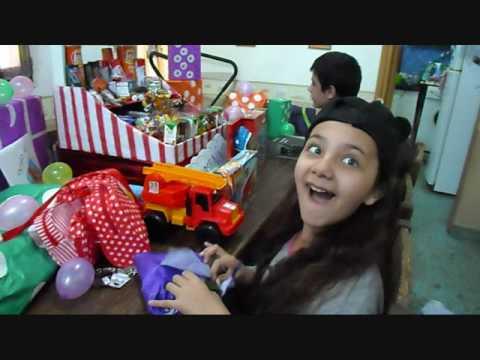 Dia del Niño. Abriendo regalos. 21/08/2016