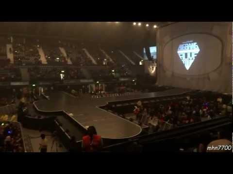 [HD Fancam] 121214 - Inside Wembley Arena For Big Bang