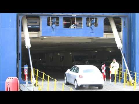 2D Autoverladung im Hafen Emden - Cars driving onto Car Carrier in Emden Port