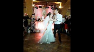 Первый танец молодых, свадебный танец, уроки танца жениха и невесты