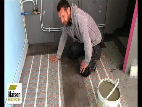 r novation salle de bain installation d 39 un plancher chauffant lectrique youtube. Black Bedroom Furniture Sets. Home Design Ideas
