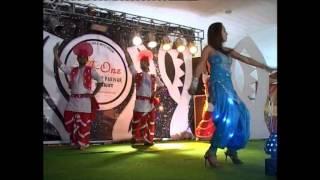 Repeat youtube video dancing girl at punjabi weeding 2013