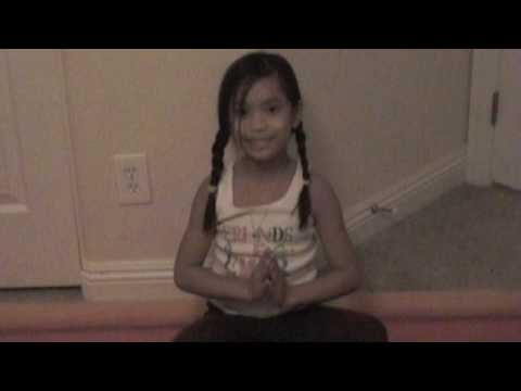 KAYLEE SMILES: Namaste- Wee Yogis Play (KIDS YOGA MUSIC)