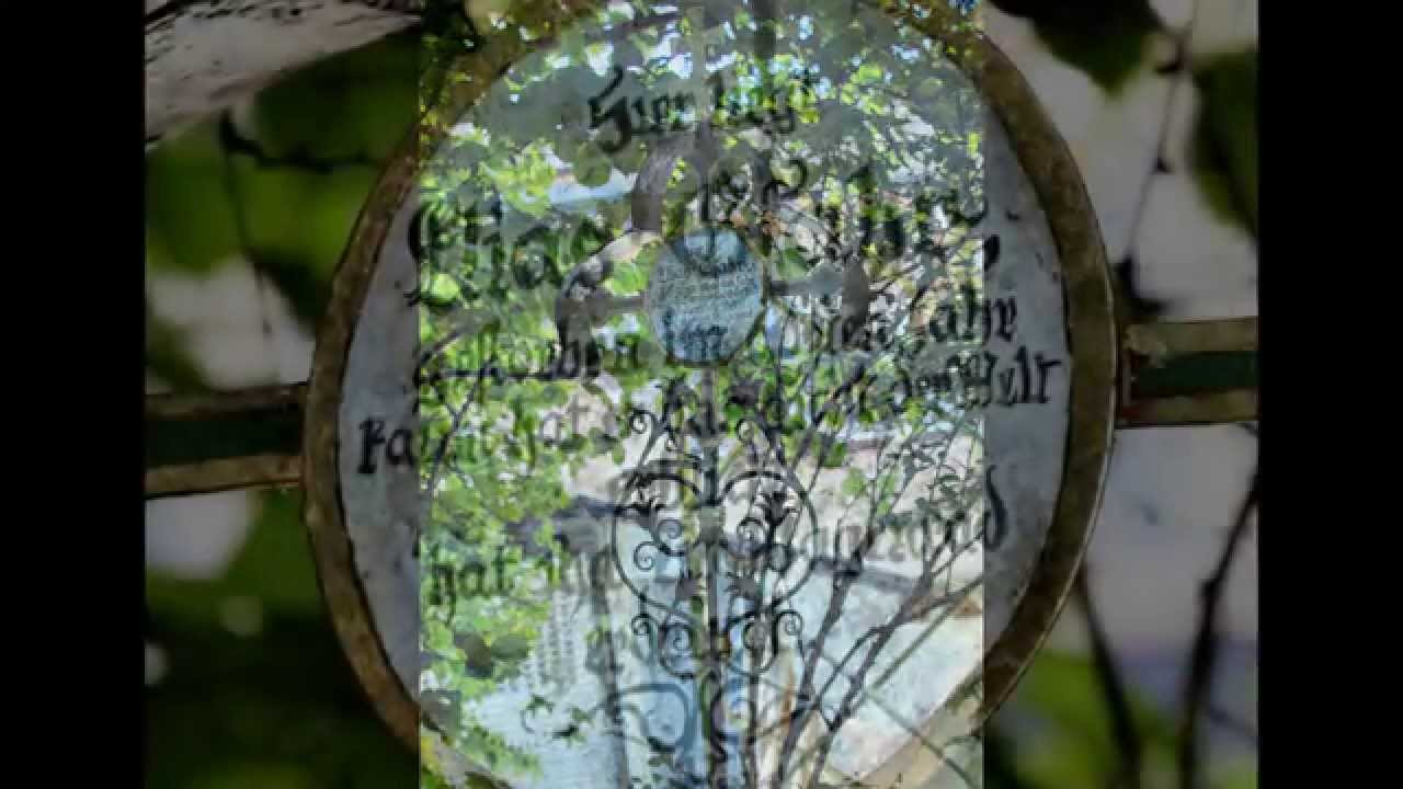 museumsfriedhof (lustiger friedhof) in tirol, kramsach - youtube