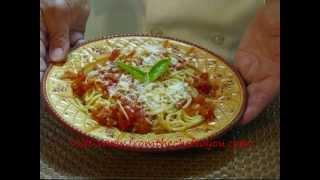 Angel Hair Pasta With Tomato, Garlic & Basil