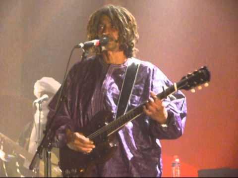 Tinariwen ~  En rappel au Métaphone (Oignies) le 30 nov. 2014