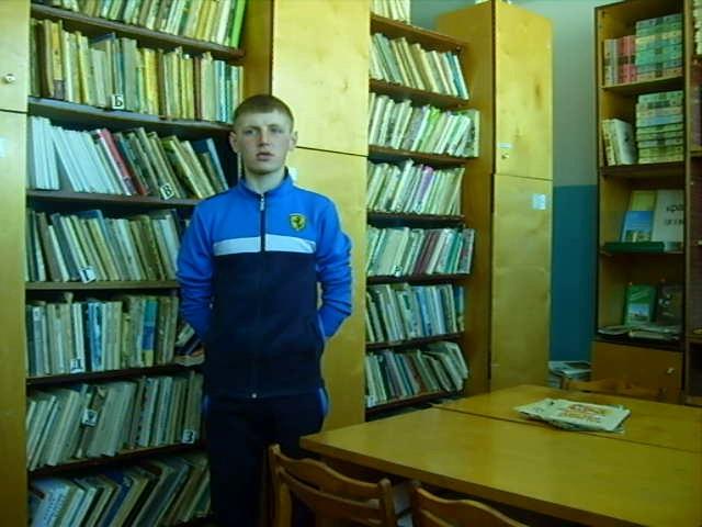 Изображение предпросмотра прочтения – ДмитрийДулин читает произведение «Первый лист» Ф.И.Тютчева