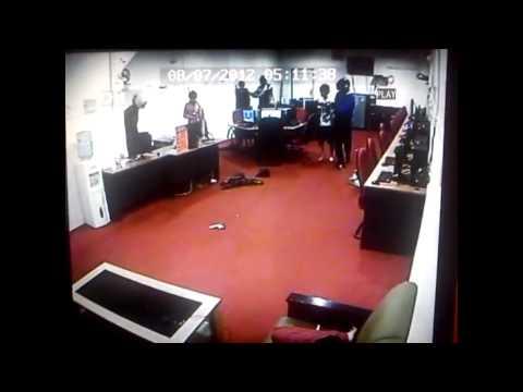 Rompakan Cyber Kafe Berparang