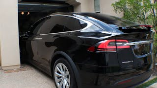 Tesla Model X - Summon Garage