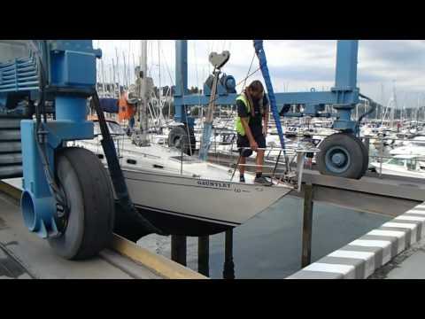 RP Marine surveyors inspecting a Contessa 32